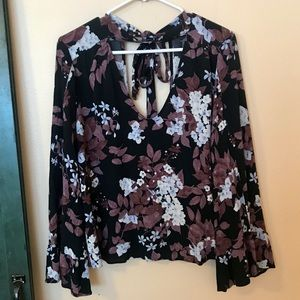 American Eagle Outfitters Tops - American Eagle bell sleeve blouse